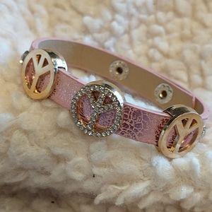 🇨🇦SHIPS 4 $9.99🌞 Cute Pink Bracelet